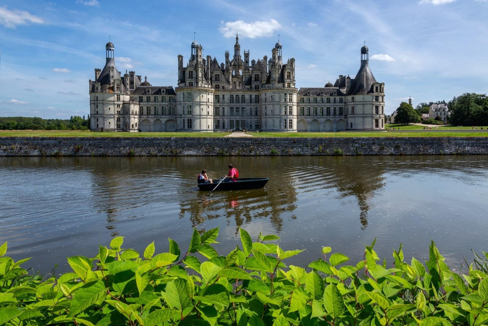 navigazione intorno al castello