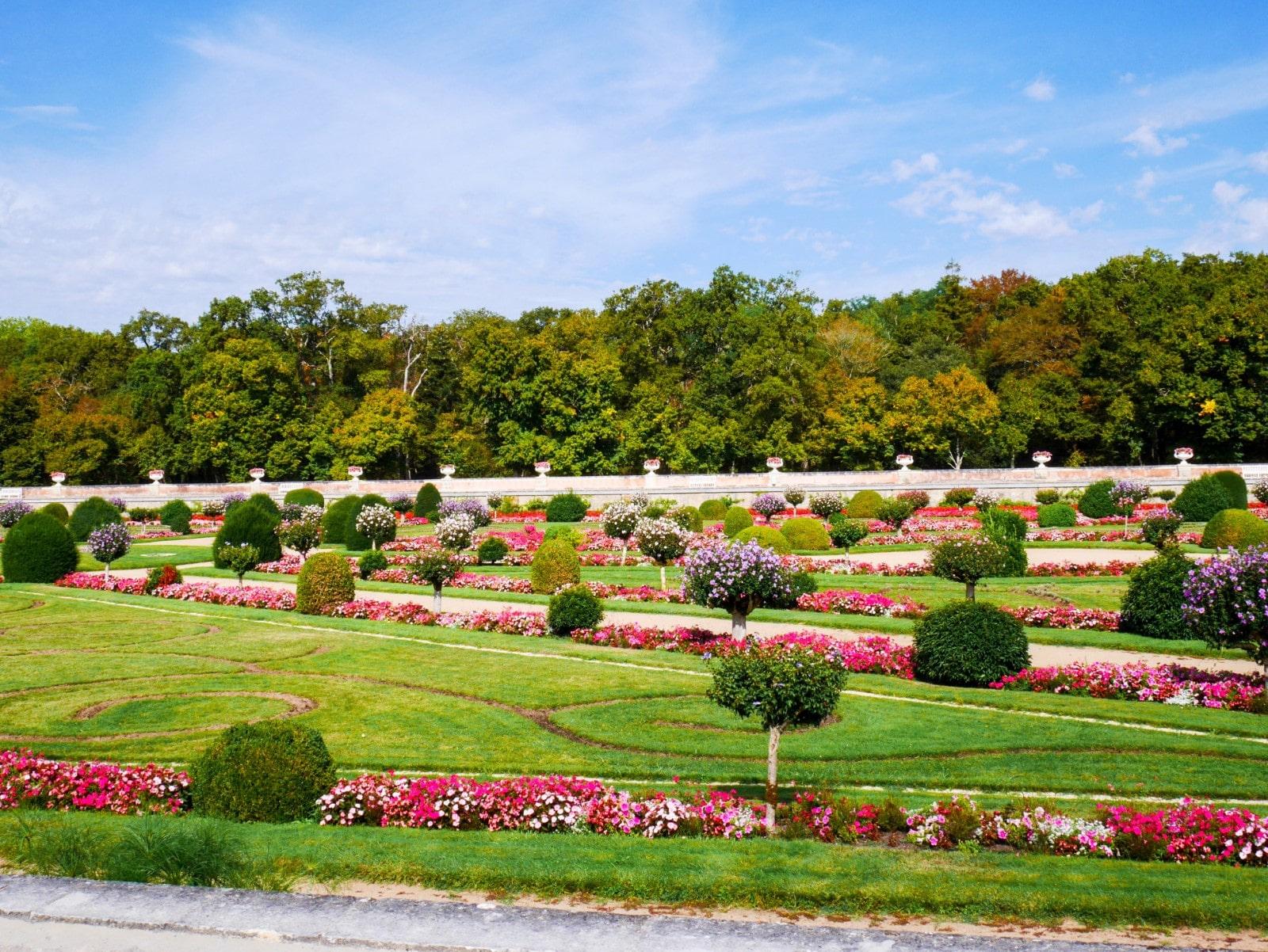 I giardini ed il roseto fatti realizzare da Diana de Poitiers.
