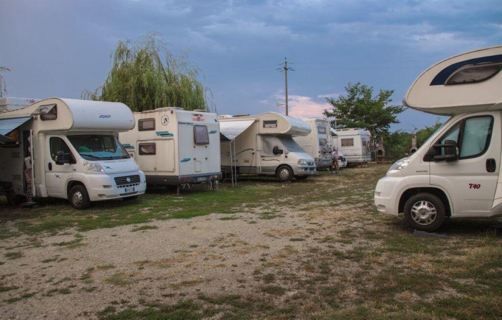 camper parcheggiati
