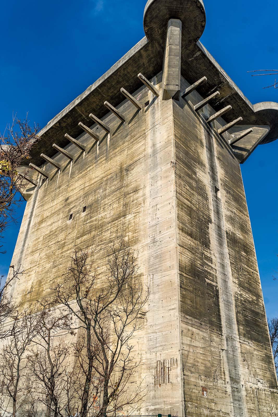 FlaK Tower L