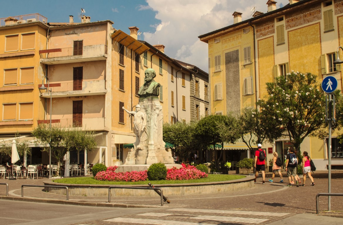 Iseo Piazza