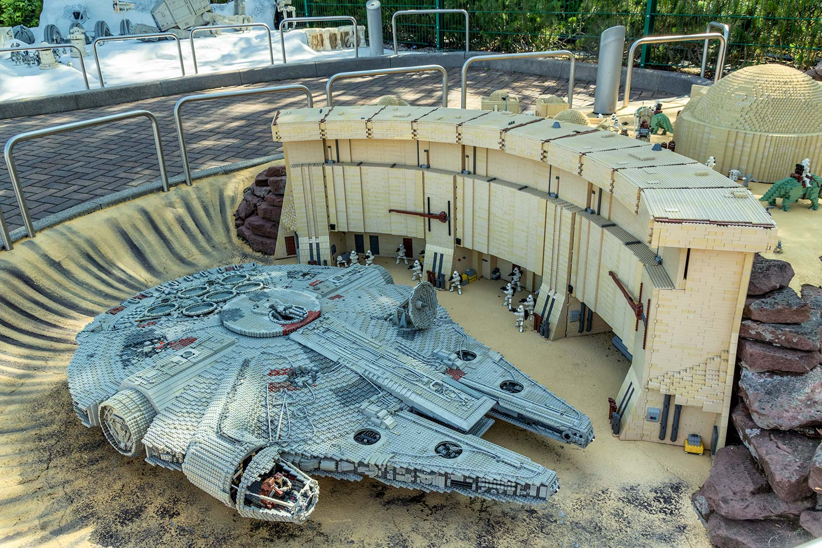 Legoland Millennium Falcon