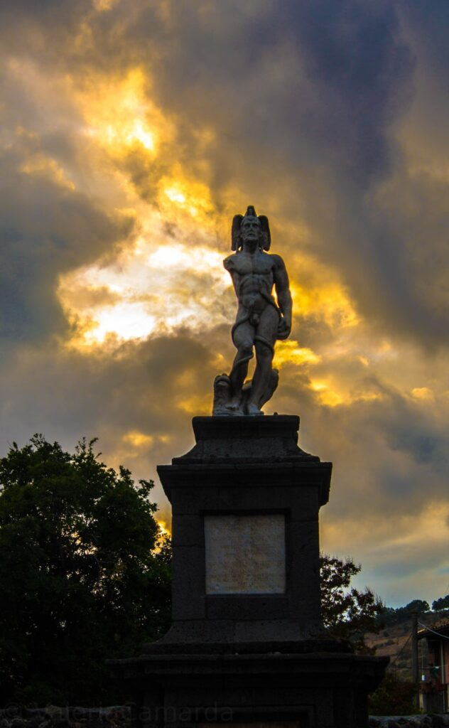 Statua del Rannazzo Vecchio