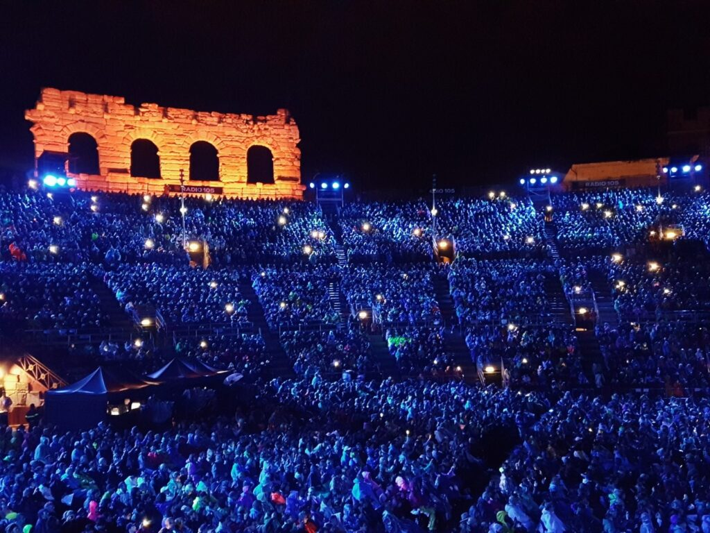 Arena in concerto alla sera