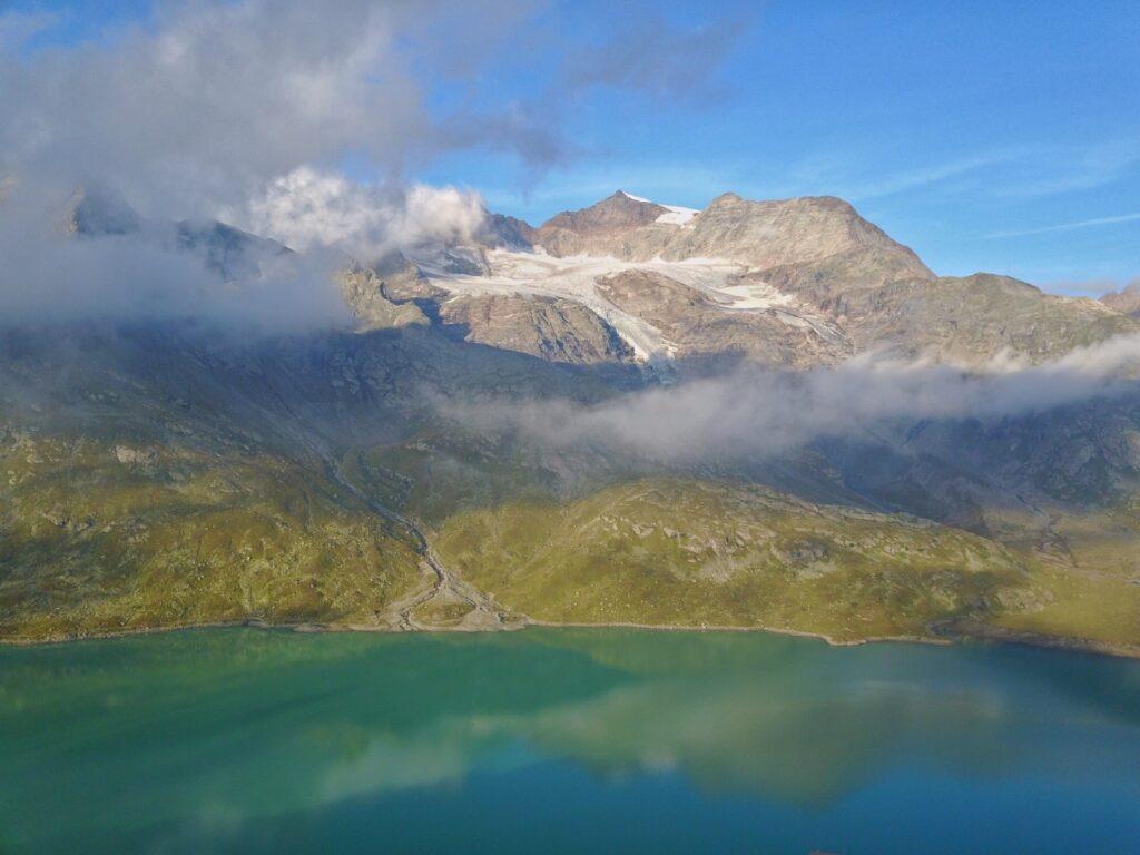 lago azzurro di poschiavo