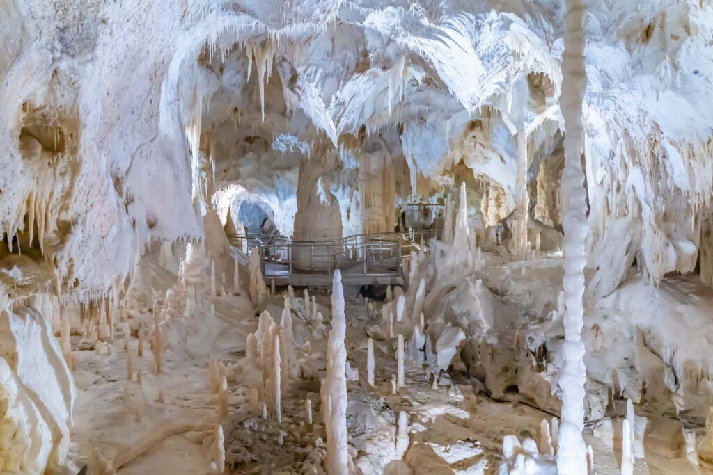 percorso nelle grotte