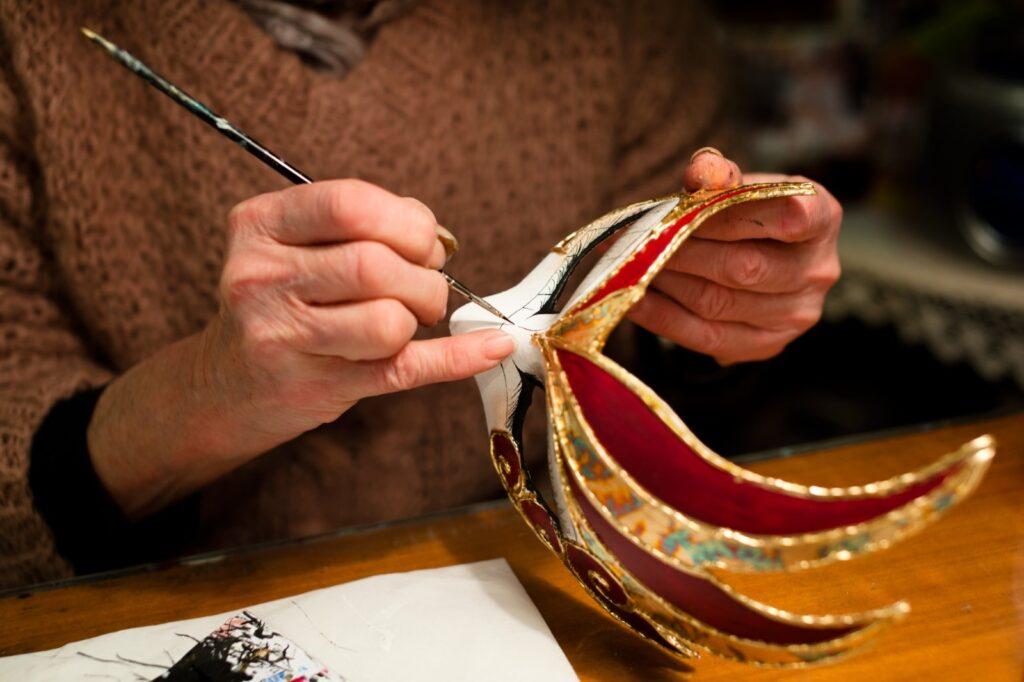 decoratore di maschera