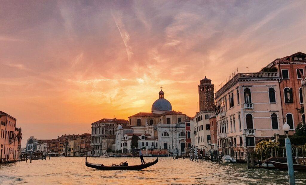 Gondola al tramonto